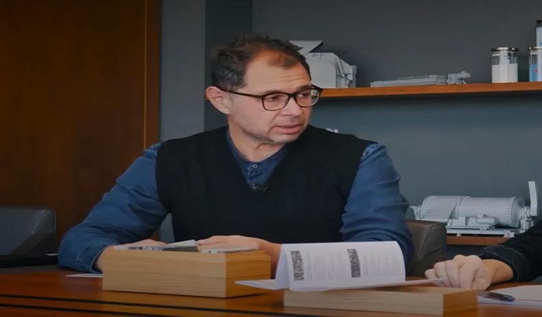 L'architetto milanese Marta Meda intervista Lanfranco Covili, funzionario tecnico commerciale del gruppo Marazzi